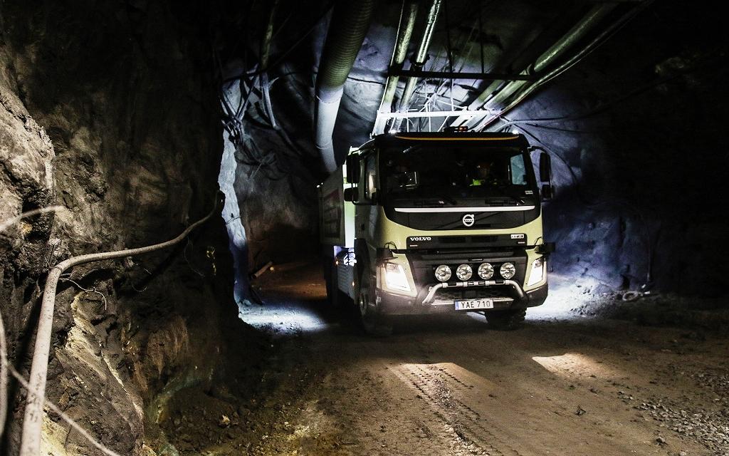 Look no hands! Volvo's self-driving truck