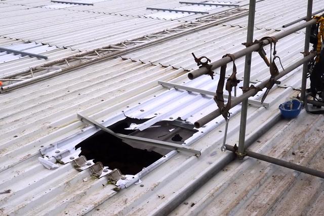 Scaffolder Killed In Roof Fall