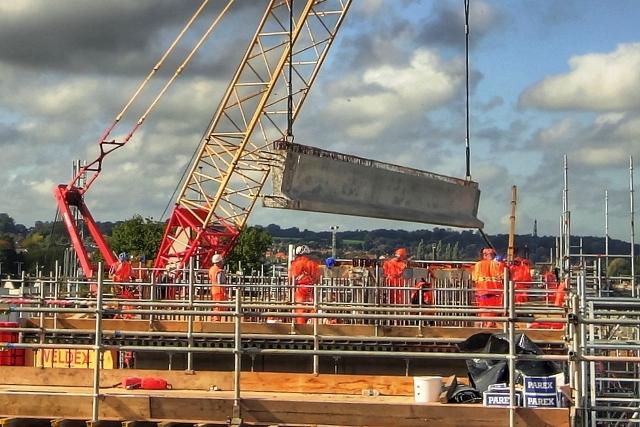 Bridge Lift Milestone At Reading Station