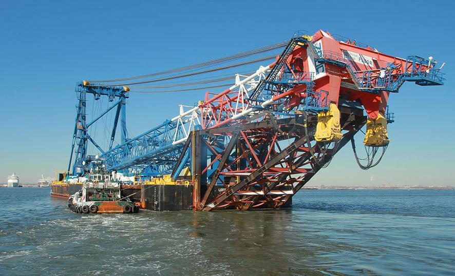 Giant Crane Completes 6 000 Mile Voyage To Ny Bridge Site