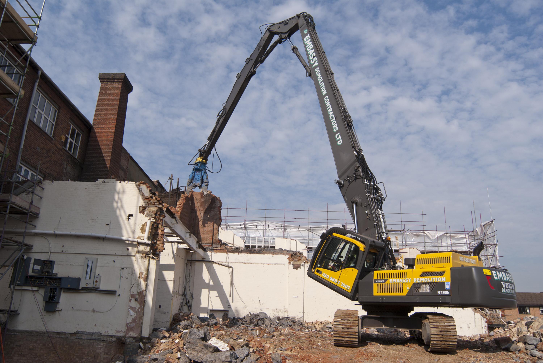 Embassy Demolition Adds Five Volvo Machines