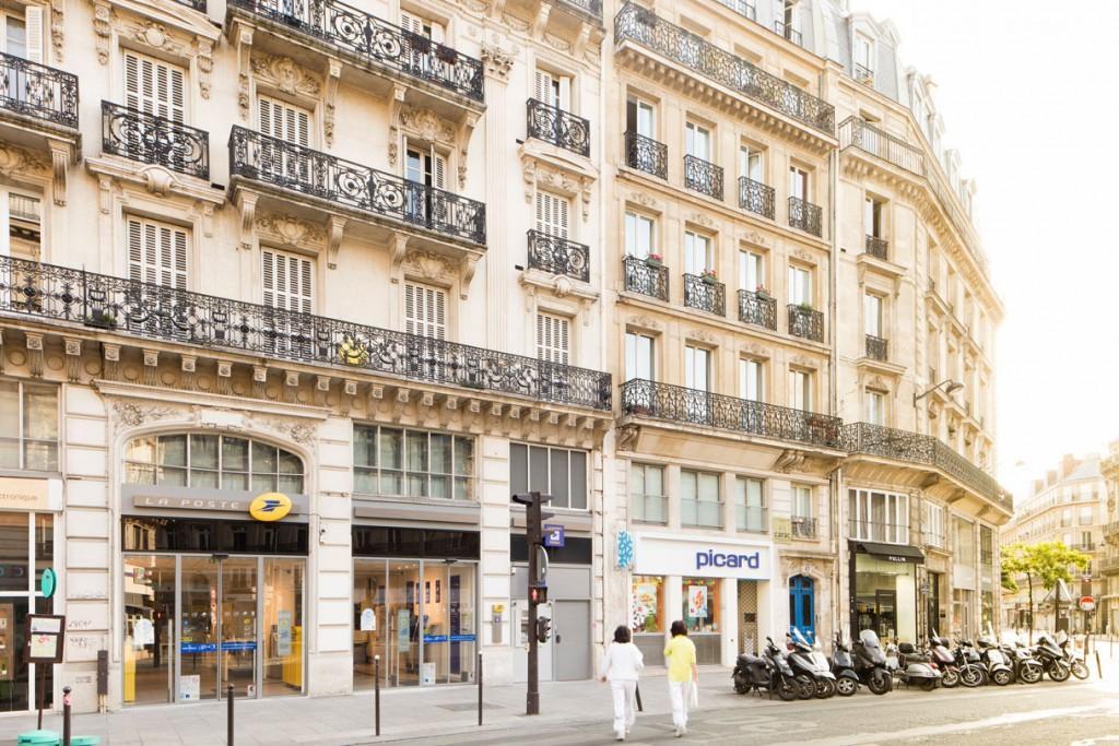 bouygues lands refurb of landmark paris post office. Black Bedroom Furniture Sets. Home Design Ideas