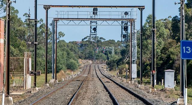 Hochtief team signs Australian rail contract