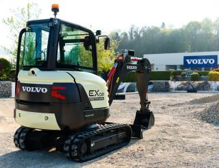Volvo's electric compact excavator prototype