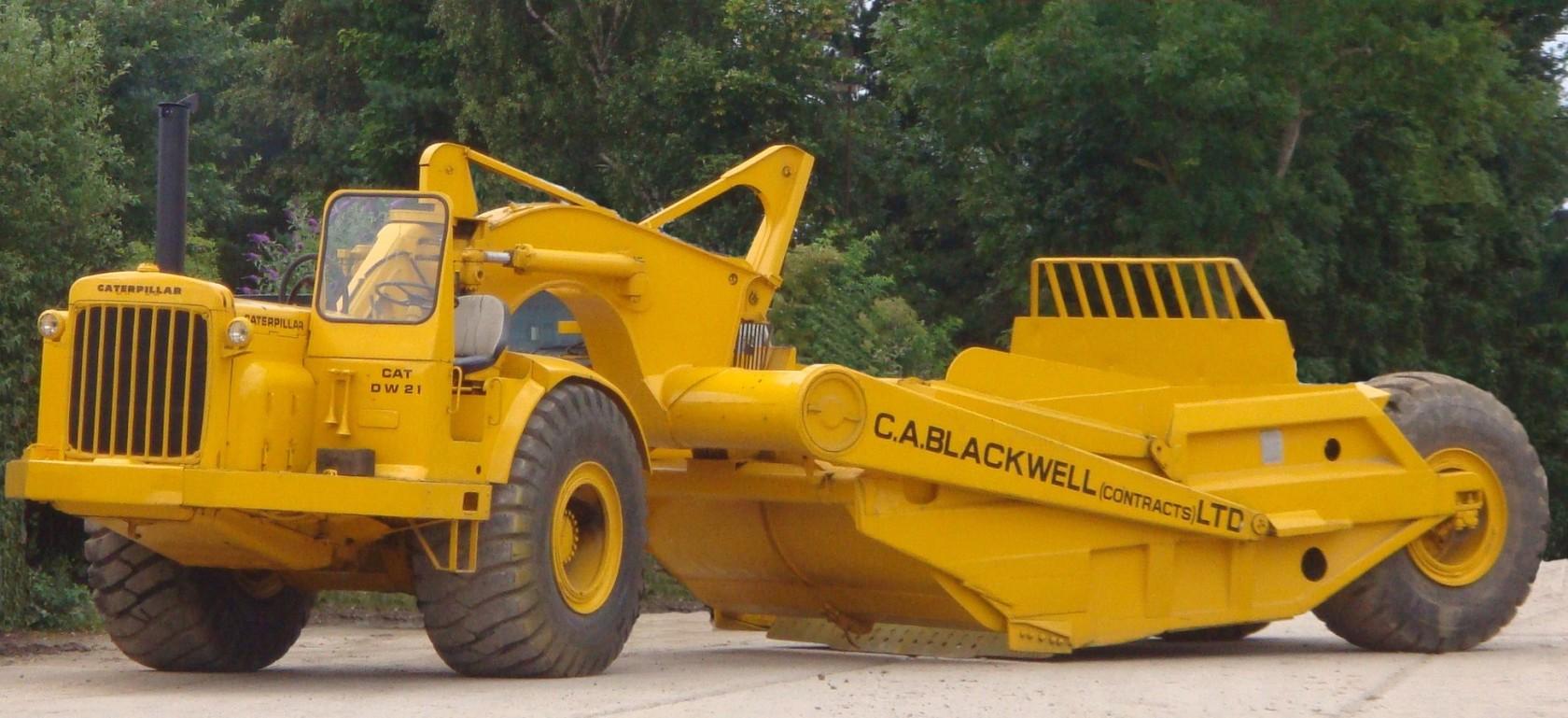 Macchine classiche: il raschietto Caterpillar 615 1680x769.35384615385_1309012416_catdw21