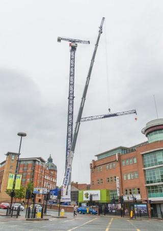 Erecting the crane
